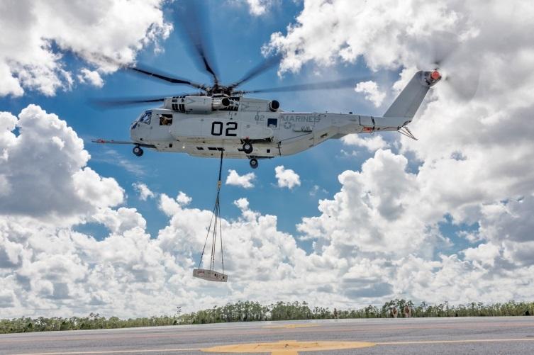 Вертолёт CH-53K King Stallion во время испытаний.