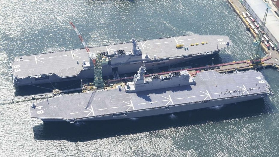 Вертолётоносцы Kaga и Izumo ВМС Японии.