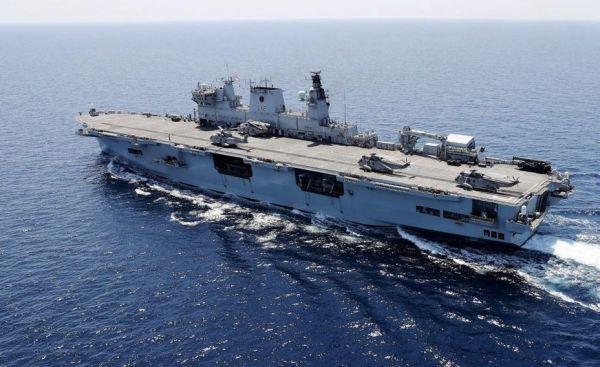 Вертолётоносец HMS Ocean.
