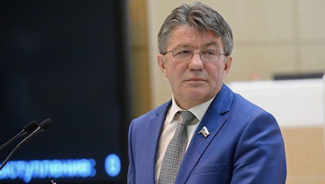 Виктор Озеров.