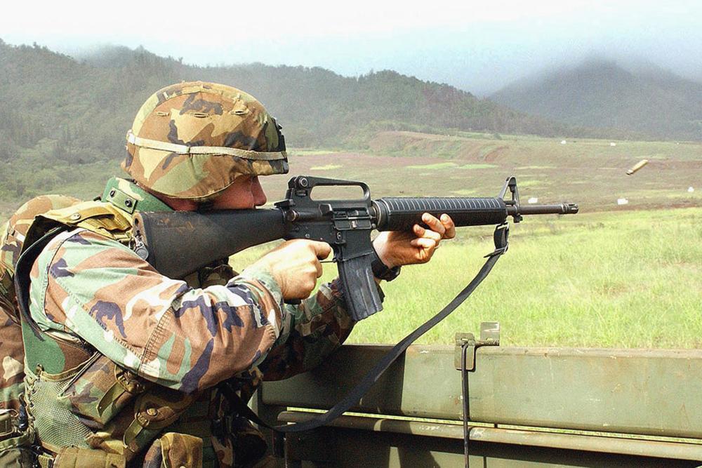 Винтовка M16.