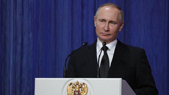 27 марта 2017. Президент РФ Владимир Путин на торжественном вечере, посвящённом Дню войск Росгвардии.
