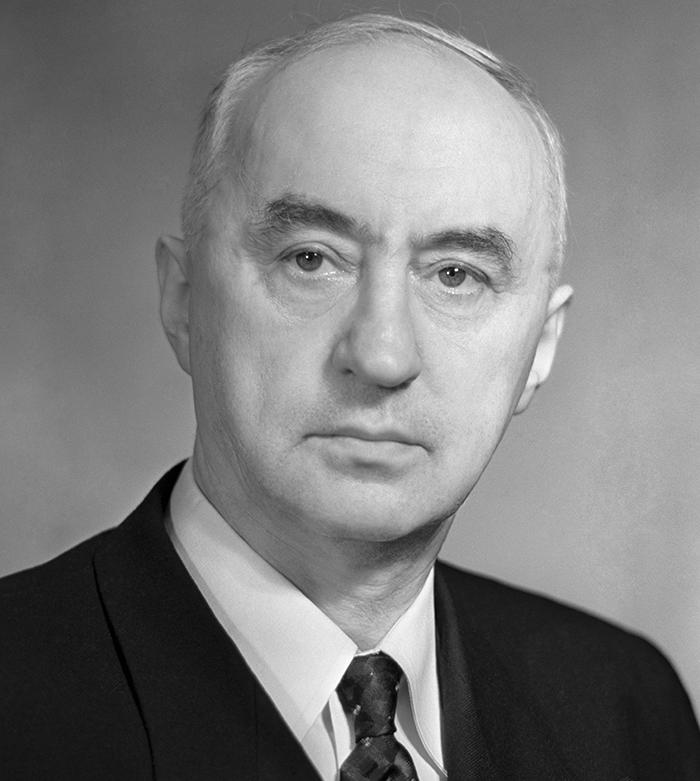 Конструктор Владимир Яковлевич Климов.