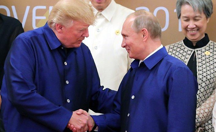 Владимир Путин и Дональд Трамп на саммите АТЭС во Вьетнаме. 10 ноября 2017.
