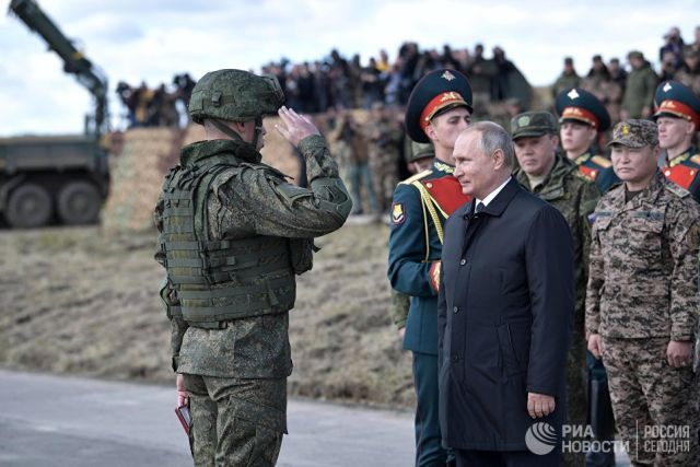 Владимир Путин на полевом смотре войск на забайкальском полигоне Цугол. 13 сентября 2018