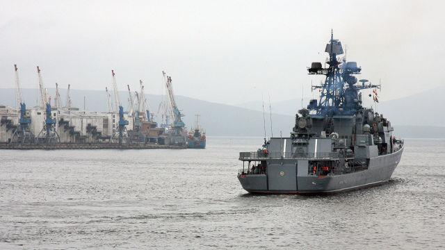 Во Владивостоке прошли проводы отряда кораблей Тихоокеанского флота РФ в Аденский залив