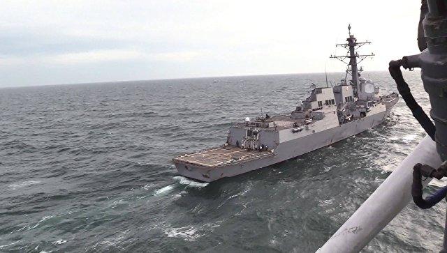 Во время проведения совместных учений Военно-Морских Силы Украины с эсминцем ВМС США Джеймс Уильямс. 2 декабря 2017.