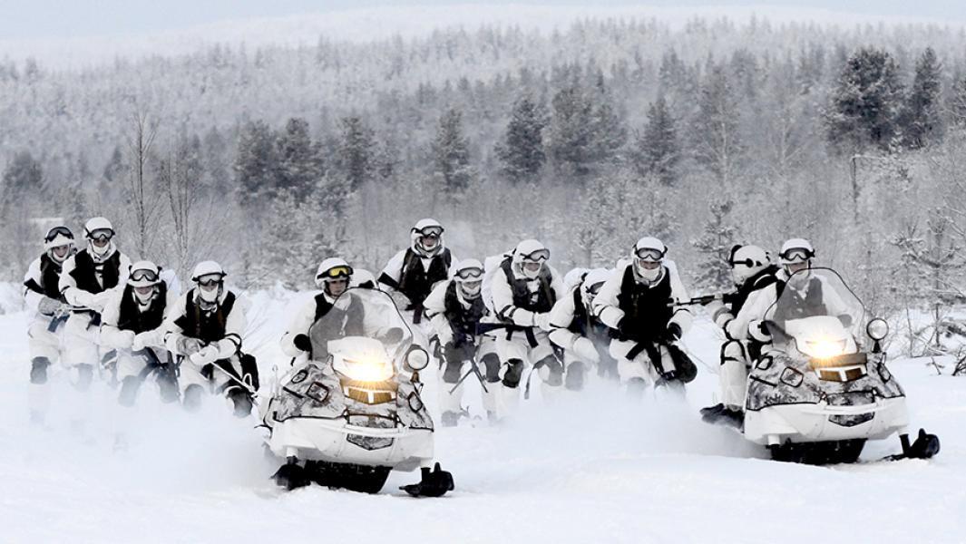 Во время учений арктической мотострелковой бригады.