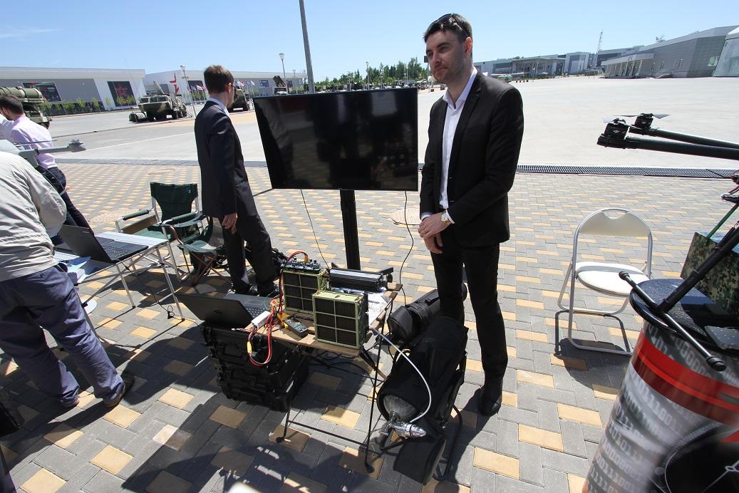 Водородные топливные элементы разработки компании BMPower (Сколково) предлагаются для использования как на беспилотных летательных аппаратах, так и на других роботизированных средствах, в том числе на подводных необитаемых аппаратах. Кубинка, 25.05.2018.