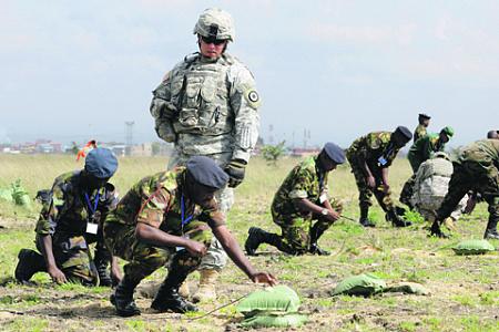 Военная помощь африканским государствам имеет зримую экономическую подоплеку. Фото с сайта www.usaraf.army.mil
