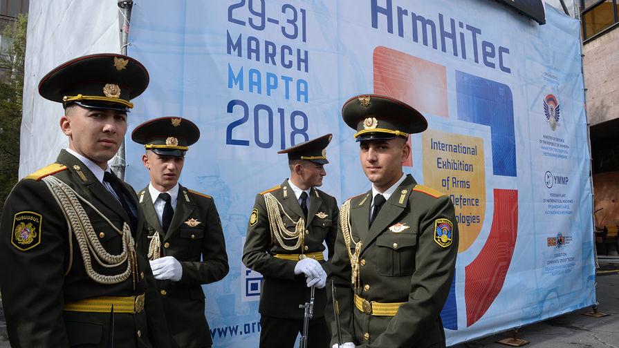 Военнослужащие ВС Армении.