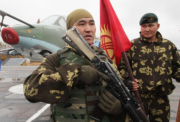 Военнослужащие ВС Киргизии.