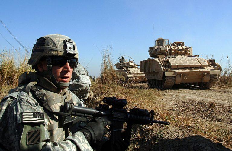 Военнослужащий армии США.