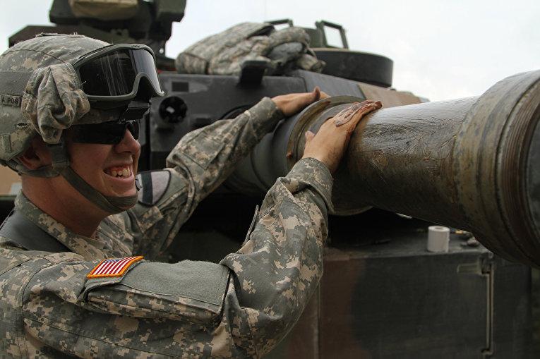 Американский военный на учениях в Германии