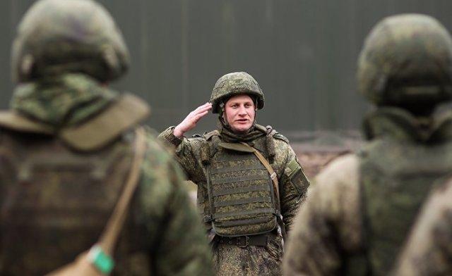 """Военнослужащие во время учений оперативно-тактического ракетного комплекса (ОТРК) """"Искандер-М"""""""