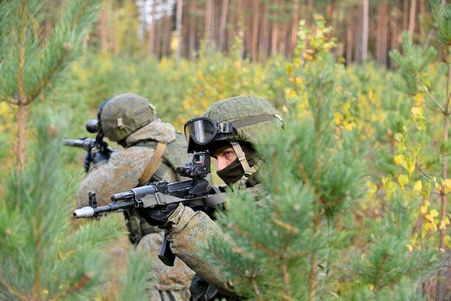 Военнослужащие ЗВО провели дуэли в честь 70-летия спецназа