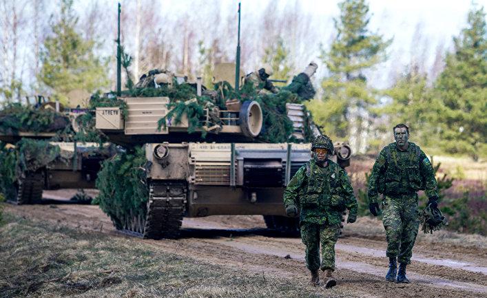 Военнослужащие Канады на военных учениях НАТО в Латвии.