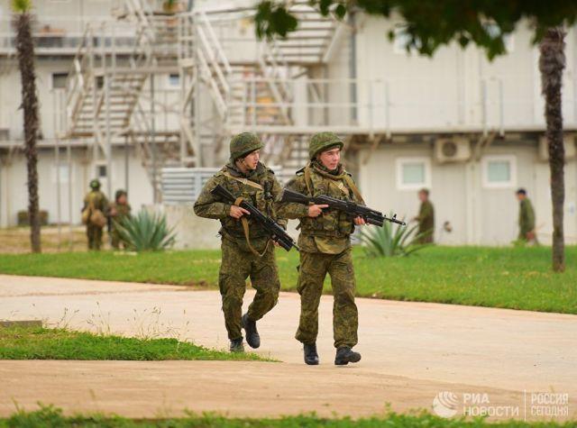 Военнослужащие российской военной базы в Абхазии. Архивное фото