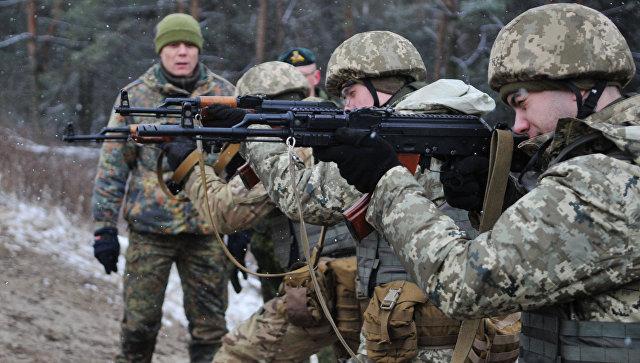 Военнослужащие украинских вооруженных сил Украины. Архивное фото.
