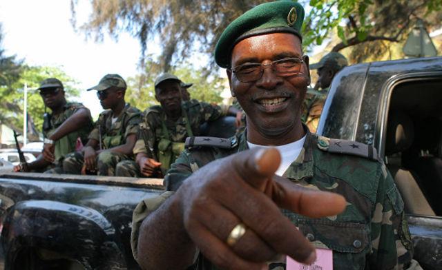 Военнослужащие в городе Луанда, Ангола