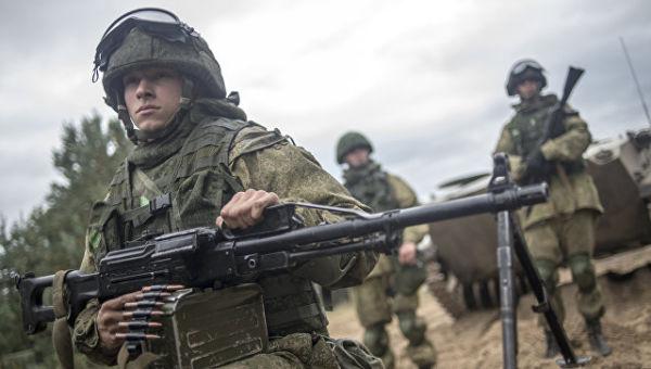 Военнослужащие в ходе командно-штабных учений с участием 106-й гвардейской воздушно-десантной дивизии в Рязанской области