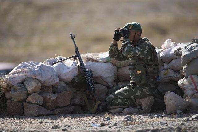 Военнослужащие во время международных антитеррористических учений ШОС Мирная миссия. Архивное фото