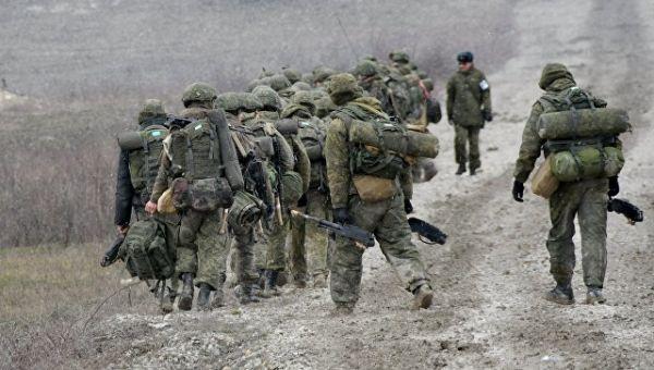 Военнослужащие во время тактических учений ВДВ. Архивное фото