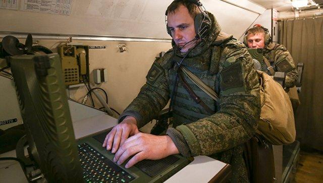 Военнослужащие во время учений. Архивное фото.