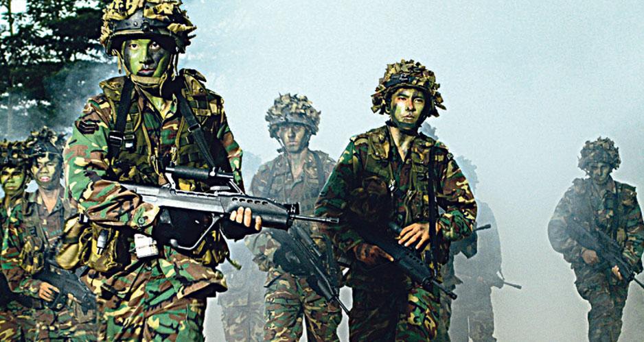Военнослужащие ВС Сингапура.