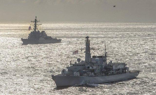 Военные учения кораблей НАТО в Баренцевом море