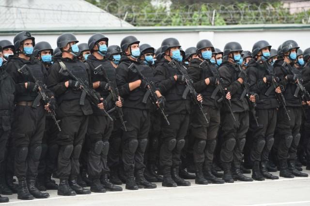 Военный парад в честь 25-летия образования Национальной гвардии Таджикистана
