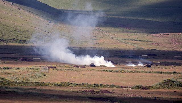 Военные учения на полигоне Алагяз в Армении.