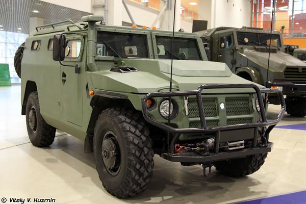 Специальная бронированная машина СБМ ВПК-233136
