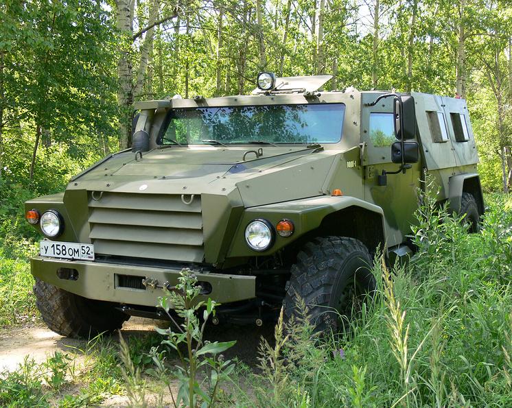 """Защищенный модульный автомобиль ВПК-3927 """"Волк""""."""