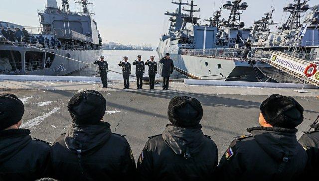 Встреча эскадренного миноносца МССО Японии Хамагири в порту Владивостока. 20 ноября 2017.