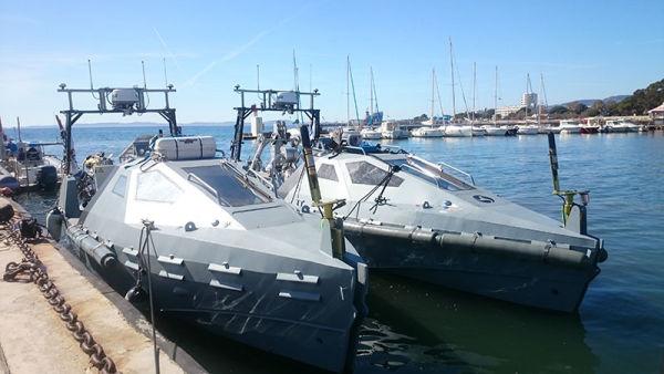 Второй и третий изготовленные для России безэкипажные катера Inspector Mk 2 постройки французской ECA Group
