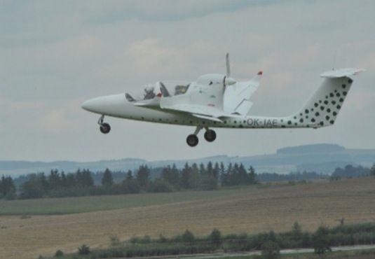Самолет  VUT 051 RAY