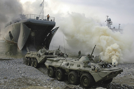 Высадка морпехов ТОФ на берег