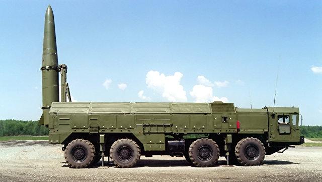 Высокоточный оперативно-тактический ракетный комплекс сухопутных войск Искандер-Э. Архивное фото.