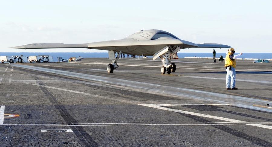 БЛА X-47B.