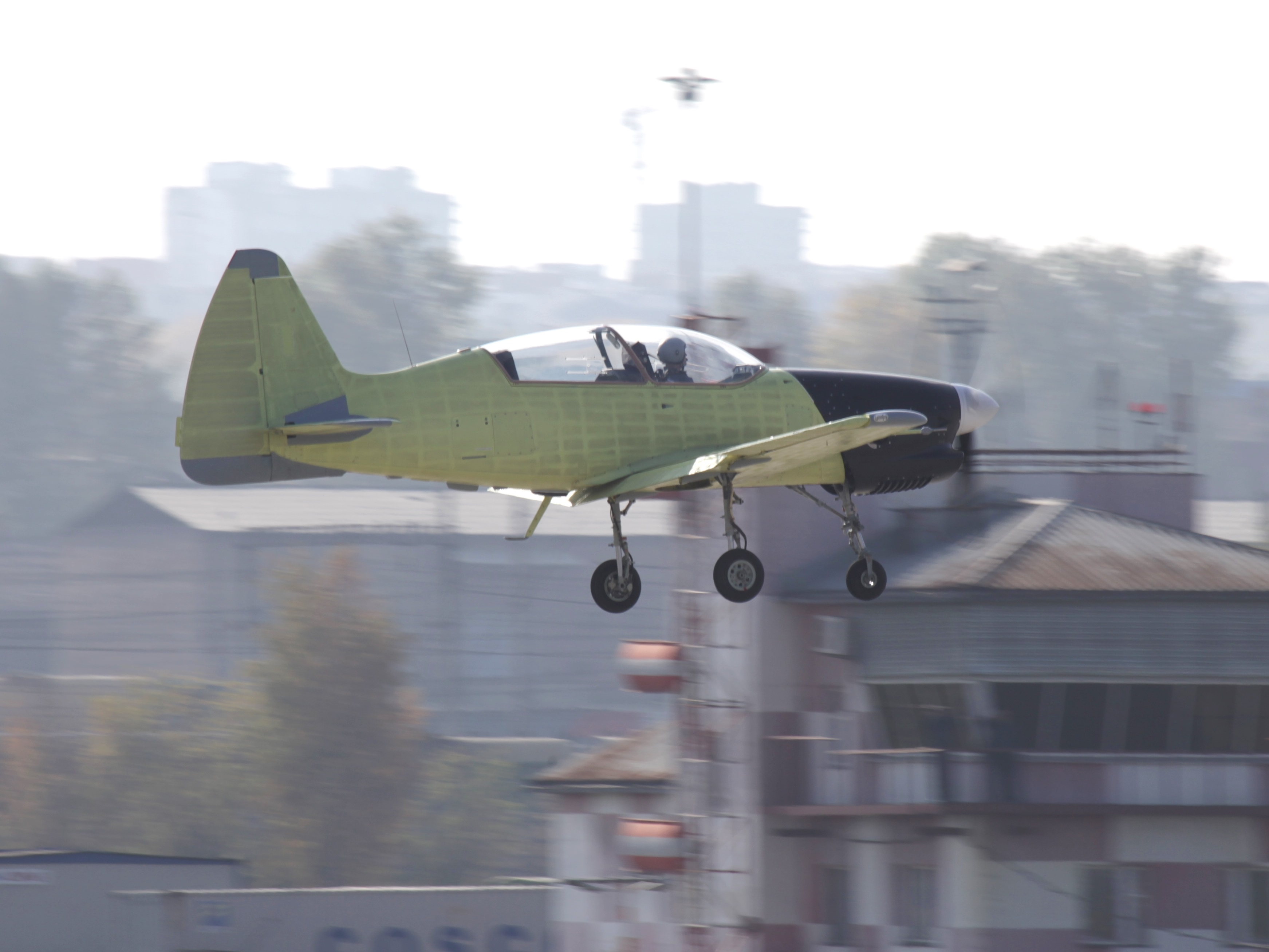 Учебно-тренировочный самолёт Як-152 совершает первый полёт на аэродроме Иркутского авиационного завода – филиала ПАО «Корпорация «Иркут».