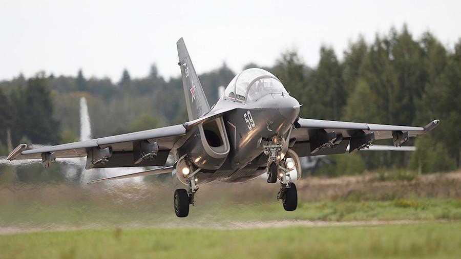 УБС Як-130.
