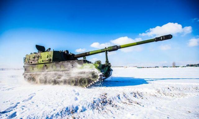 Южнокорейская 155-мм/52 самоходная гаубица К9 Thunder во время испытаний в Финляндии и Норвегии в 2016 году