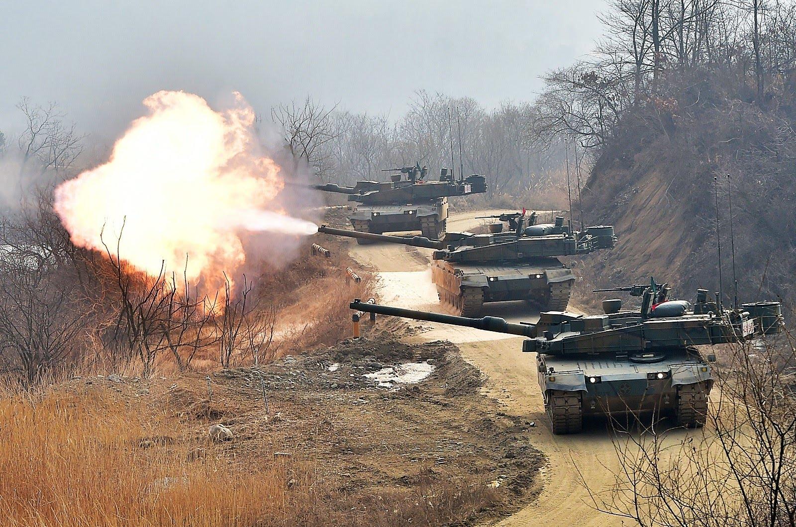 Южнокорейские основные танки К2 Black Panther первой серийной партии.