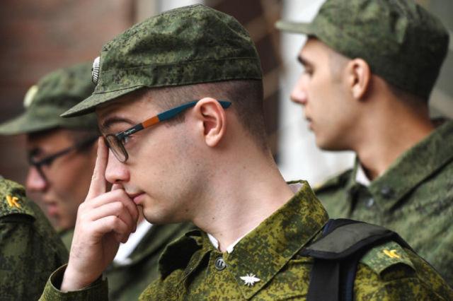 За шесть лет, что в Российской армии существуют научные роты, службу там прошли более двух тысяч молодых людей.