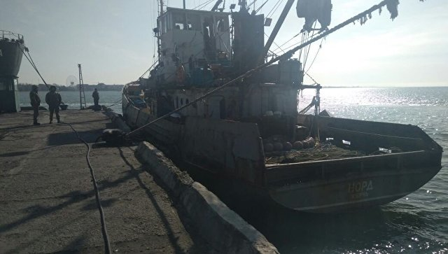 Задержанное в украинской части территориальных вод Азовского моря рыболовецкое судно Норд. 26 марта 2018.