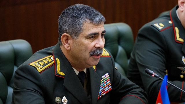 Министр обороны Азербайджана генерал-полковник Закир Гасанов. Архивное фото.