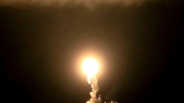 """Запуск гиперзвуковой ракеты """"Циркон"""" с фрегата """"Адмирал Горшков"""" в акватории Северного Ледовитого океана"""