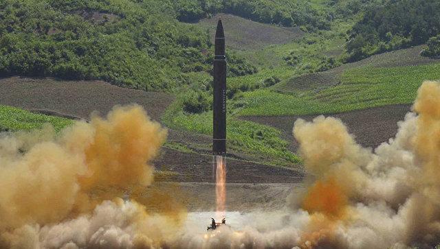 Запуск баллистической ракеты Хвасон-14 в КНДР. Архивное фото.