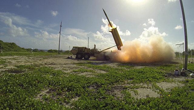 Запуск ракеты американского противоракетного комплекса.
